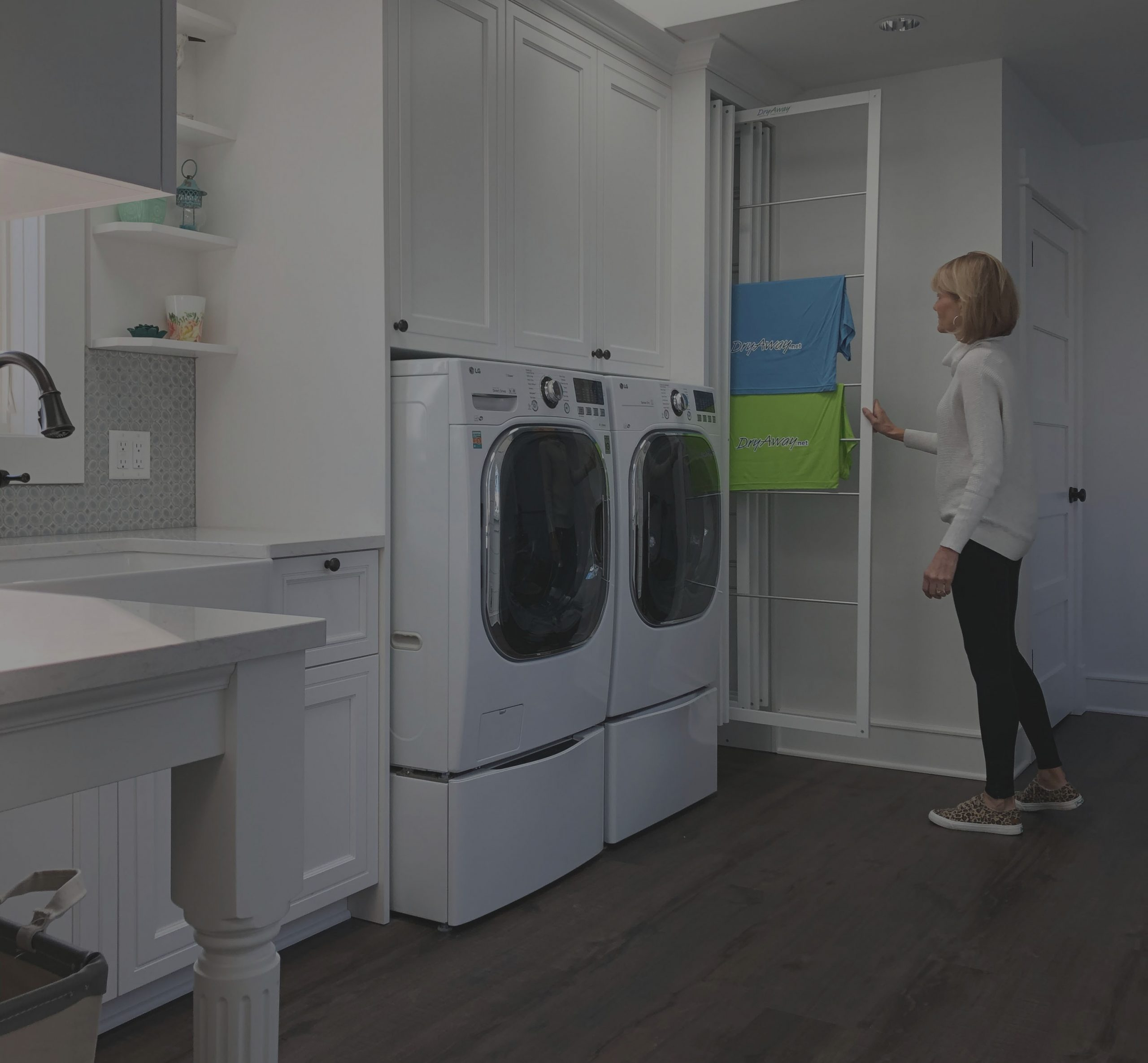 THE ECO-FRIENDLY LAUNDRY DRYING SYSTEM